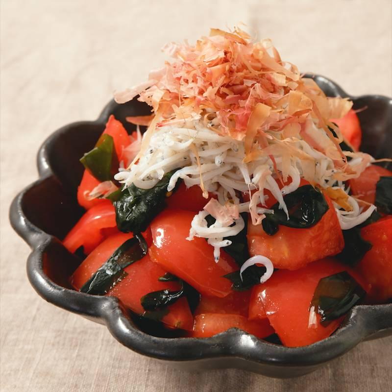 サラダ トマト わかめ