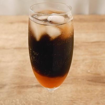 ジャム入り炭酸コーヒー