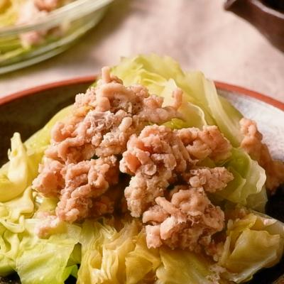 鶏ひき肉とキャベツの簡単レンジ蒸し
