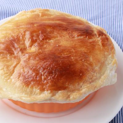 熱々かぼちゃシチューポットパイ