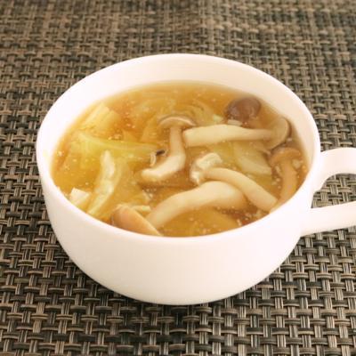 生姜でピリ辛コンソメスープ