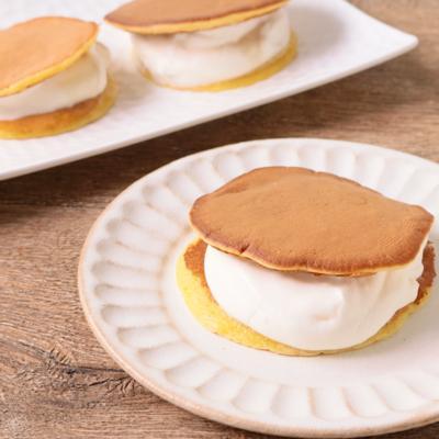 メープル生クリームのパンケーキサンド