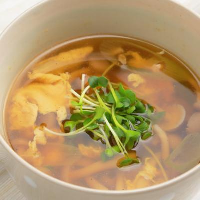 優しい味わい しめじと卵のスープ