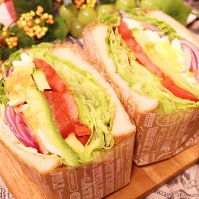 今話題の!たっぷり!ボリュームサンドイッチ