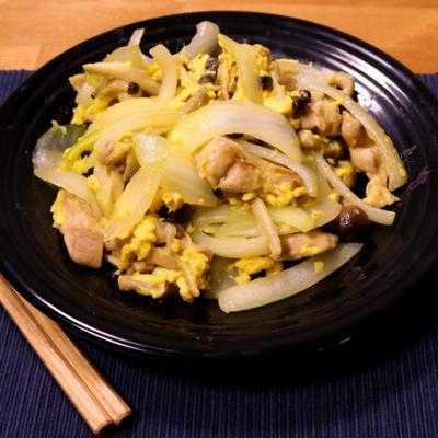 鶏としめじの中華風たまご炒め