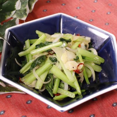 サッと簡単!小松菜のガーリック炒め