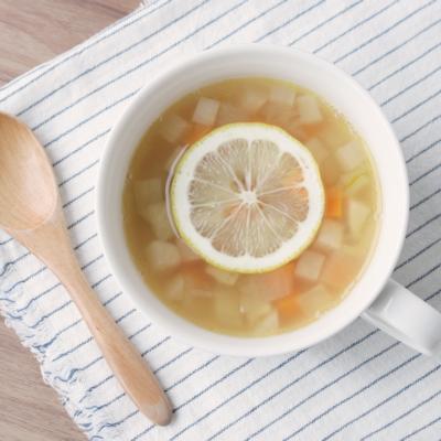根菜たっぷり レモンコンソメスープ