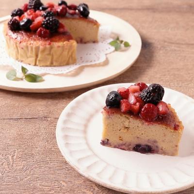 ミックスベリーのしっとりぷるぷるスフレチーズケーキ