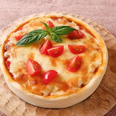 チーズたっぷりディープディッシュピザ