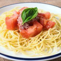 トマトとコンビーフの冷製パスタ