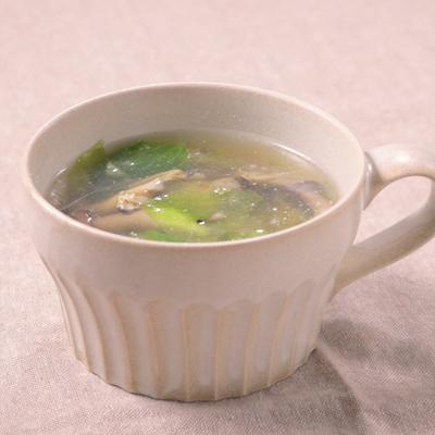 旨さ染み出す レタスとあさりのコンソメスープ