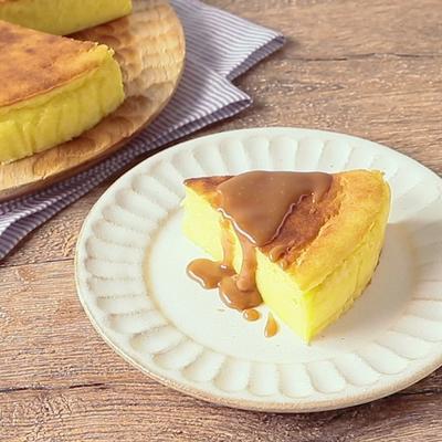 ミキサーで簡単 さつまいもとキャラメルソースのチーズケーキ