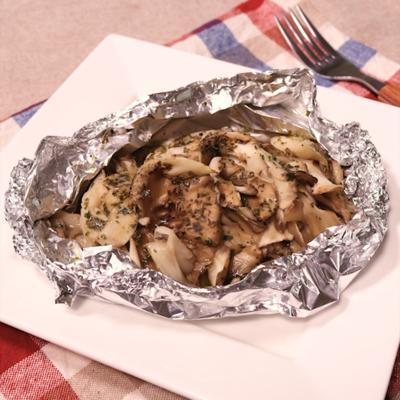 ハーブ香る 豚肉とまいたけのホイル焼き