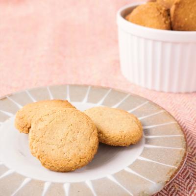 小麦粉不使用 さくさくセサミクッキー