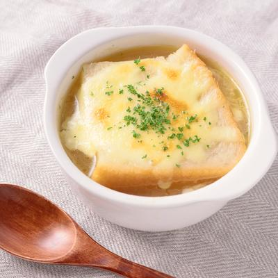 新玉ねぎで オニオングラタンスープ