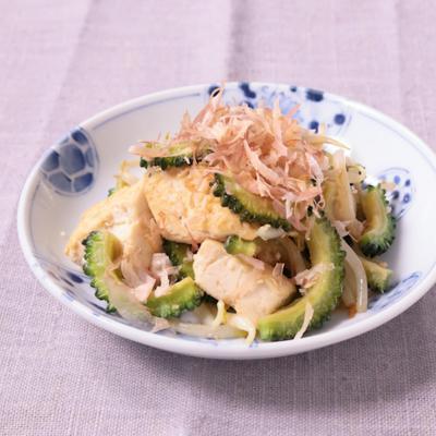 ゴーヤと豆腐の炒め物