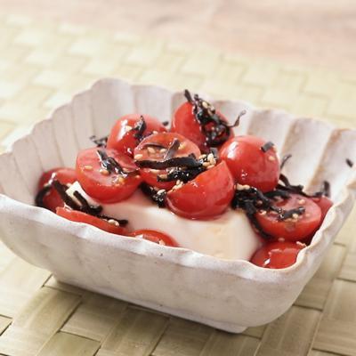 5分でおつまみ 塩昆布トマト冷奴