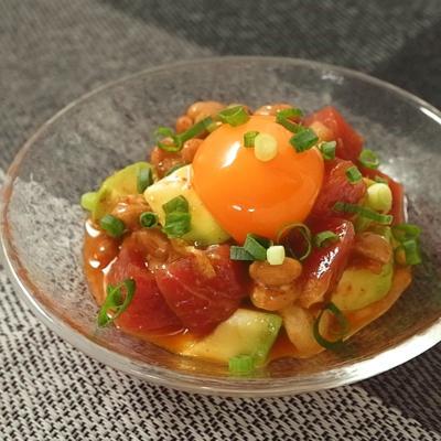 キムチで旨い アボカドマグロ納豆