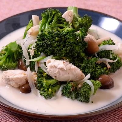 ブロッコリーと鶏ささみのきのこクリーム煮