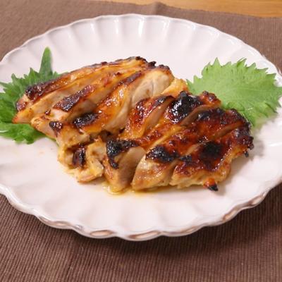 鶏もも肉の白みそ漬け焼き