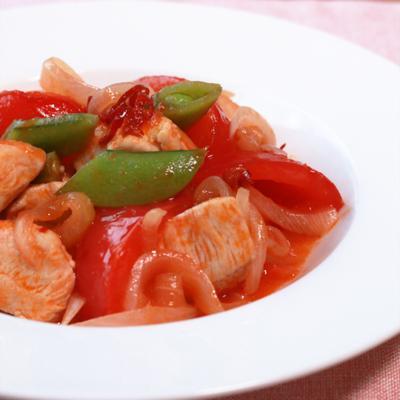 鶏むね肉とトマトの激辛トマトソース炒め