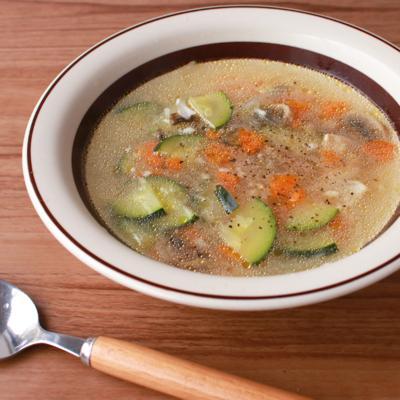あっさり鶏むね肉とたっぷり野菜の塩麹スープ