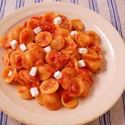フェタチーズとトマトのパスタ