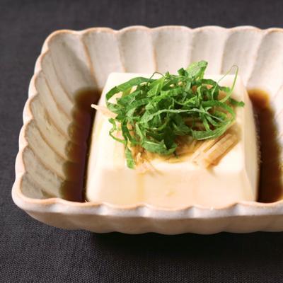 レンジで簡単 生姜と大葉の湯豆腐