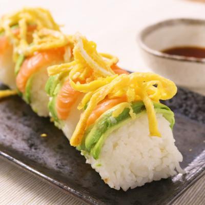 ラップで簡単ロール寿司
