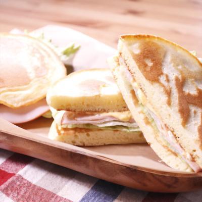 甘じょっぱさがクセになる!ホットケーキdeサンドイッチ