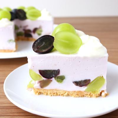 たっぷりぶどうのヨーグルトムースケーキ