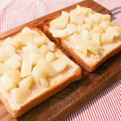 白桃と白あんのトースト