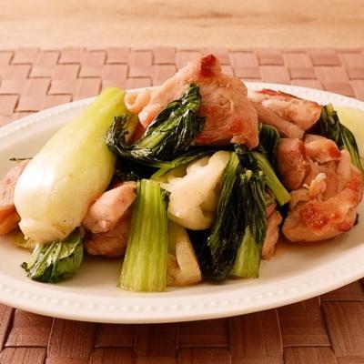 鶏もも肉とチンゲン菜の塩こしょう炒め