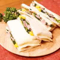 ほうれん草ソテーのサンドイッチ