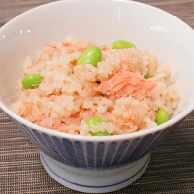 鮭と枝豆のバター風味炊き込みご飯