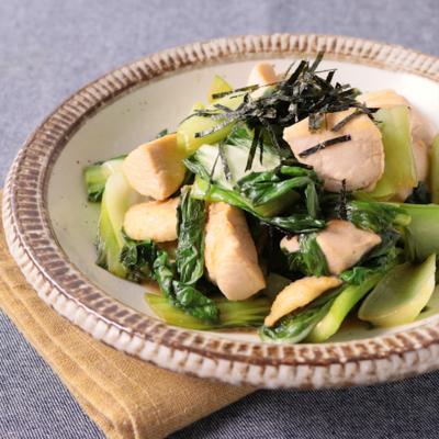 チンゲン菜と鶏肉のバタポン炒め