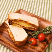 ほうれん草とベーコンのホットサンドイッチ