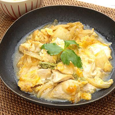 白菜と鶏むね肉の卵とじ