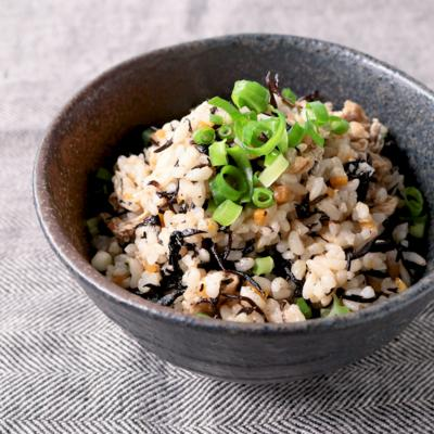 ひじきたっぷり玄米混ぜごはん