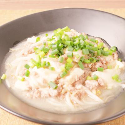 生姜香る 豚ひき肉の豆腐あんかけ炒め