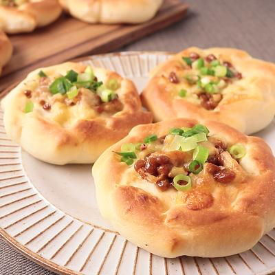 手ごねで作る 納豆パン