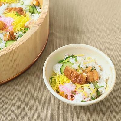 煮あなごときゅうりのちらし寿司