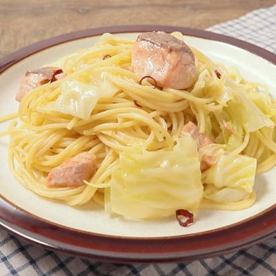 鮭とキャベツのペペロンチーノ