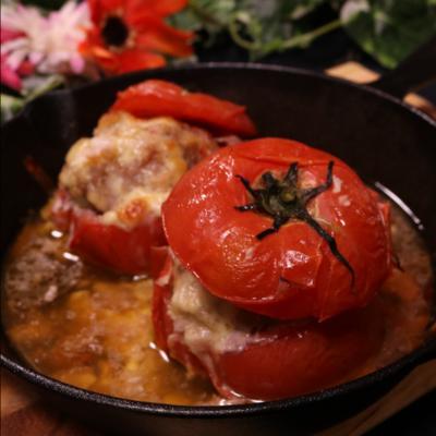 ジューシーな旨みたっぷり!丸ごとトマトのファルシー
