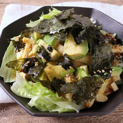 レタスとアボカドのわさびドレッシングサラダ