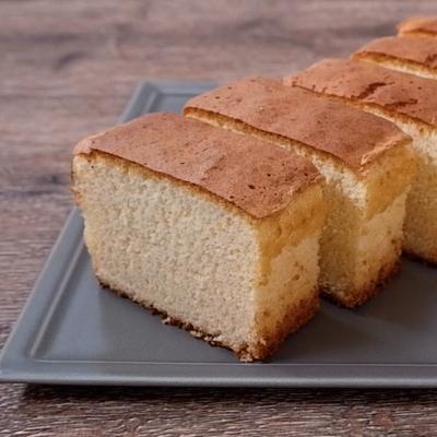 粉チーズで香ばしい米粉入りカステラ