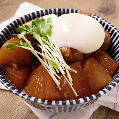 豚の角煮丼 温泉卵のせ