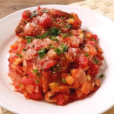 イサキのトマトソース煮込み