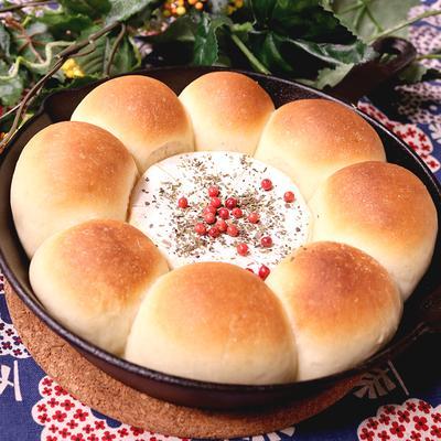 贅沢丸ごと!カマンベールチーズパン
