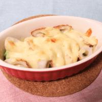 アボカドとちくわの味噌マヨチーズ焼き